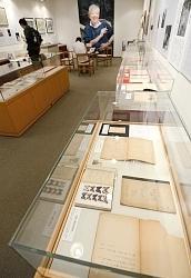北杜夫さんの創作ノート、昆虫標本― 松本の3館で企画展