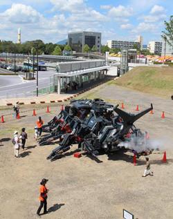 茨城県つくば市で「まつりつくば2013」開催! 巨大カブトムシロボも登場